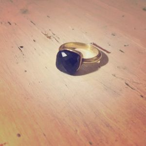 Onyx cocktail ring with gold band